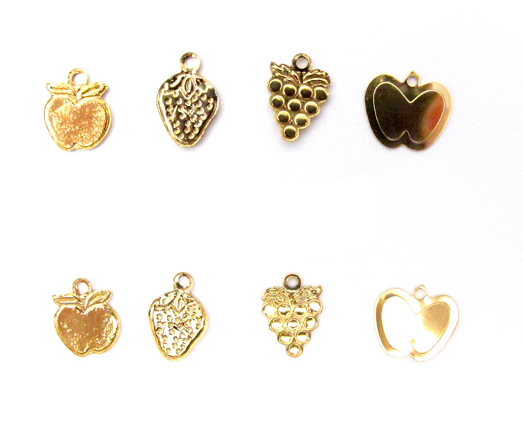 Package of 6 Grapes Brass charms