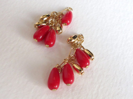 red plastic and gold plated teardrop charms