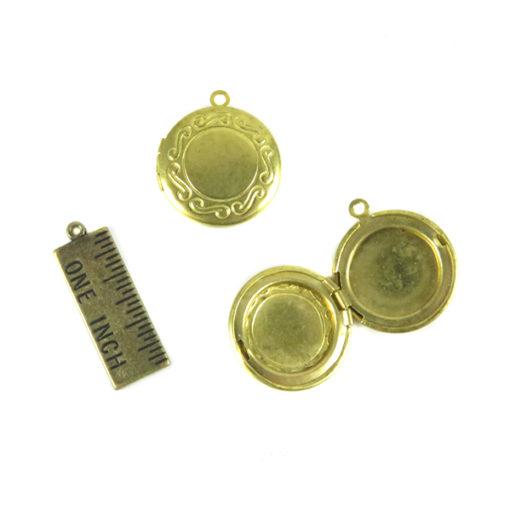 circle locket with swirl