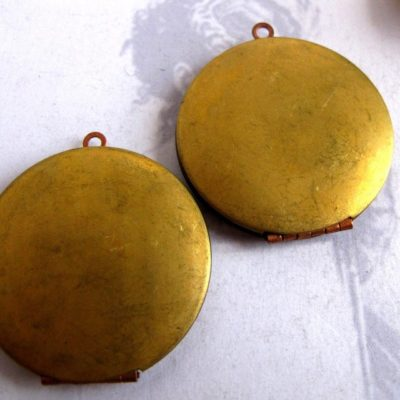 vintage circle locket